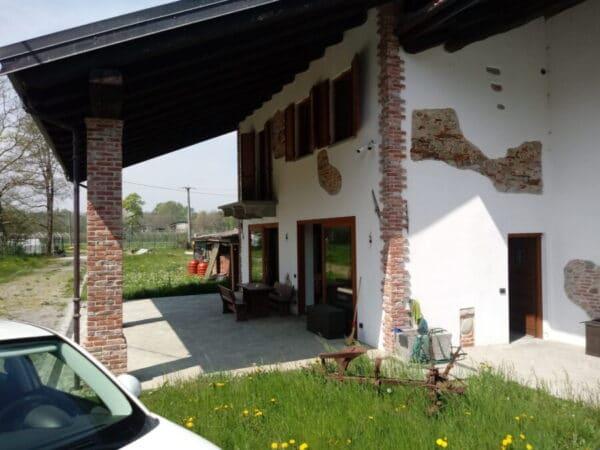 Casale ristrutturato con terreno